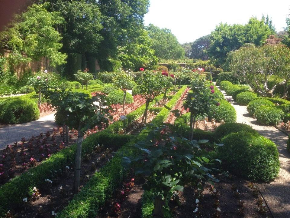 Filoli walled garden
