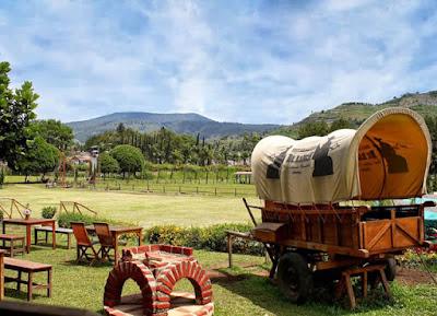 Rekreasi bergaya cowboy di De'Ranch Bandung