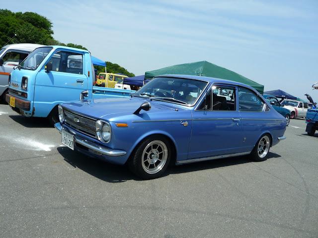 Toyota Corolla E17 stary japoński samochód oldschool klasyk coupe
