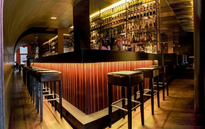 restaurante goldener joven aut nctico y con atm sfera ntima nuremberg alemania espacio. Black Bedroom Furniture Sets. Home Design Ideas