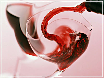 вино пьянит бокал