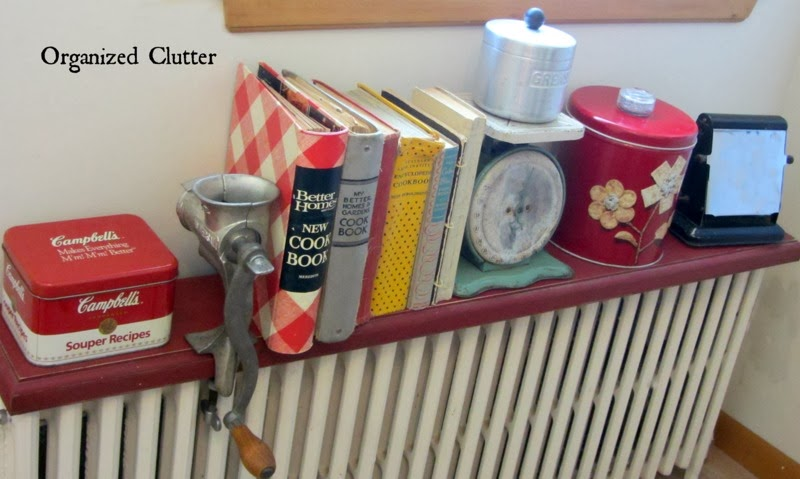 An Organized Clutter Farmhouse Kitchen www.organizedclutterqueen.blogspot.com