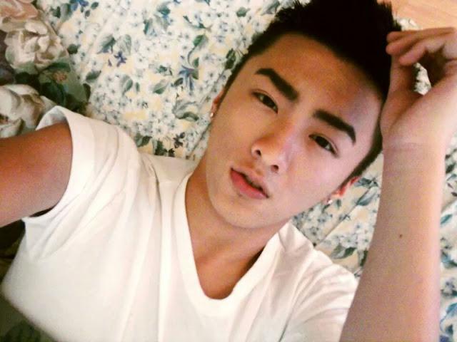 http://gayasiancollection.com/cute-hot-asian-boy/