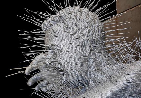 david mach esculturas cabide farpas espinho