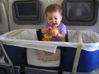 Bassinet Airplane5