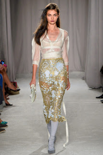 haute couture robe dentelle or doré amarchesa vanessa lekpa new york