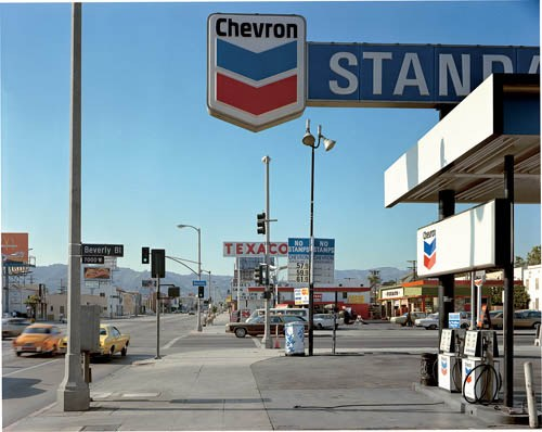 masters of photography : Stephen Shore : photo of chevron gasoline station