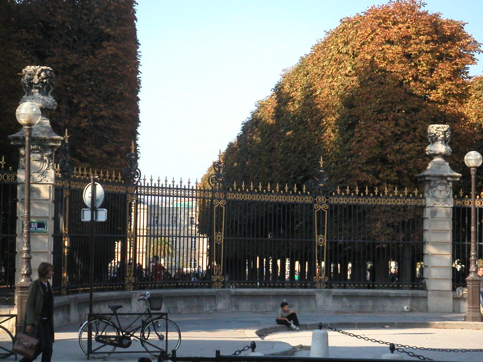 Ma fen tre sur paris couleurs d 39 automne au jardin du for Au jardin du luxembourg