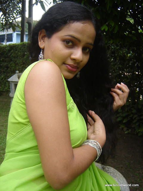 Umayangana - Sri Lankan Cute Teledrama Actress Pics,Photos