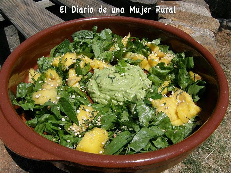 Ensalada verde con mango