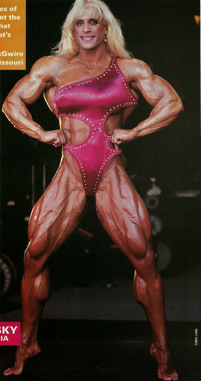 nude female bodybuilding posing