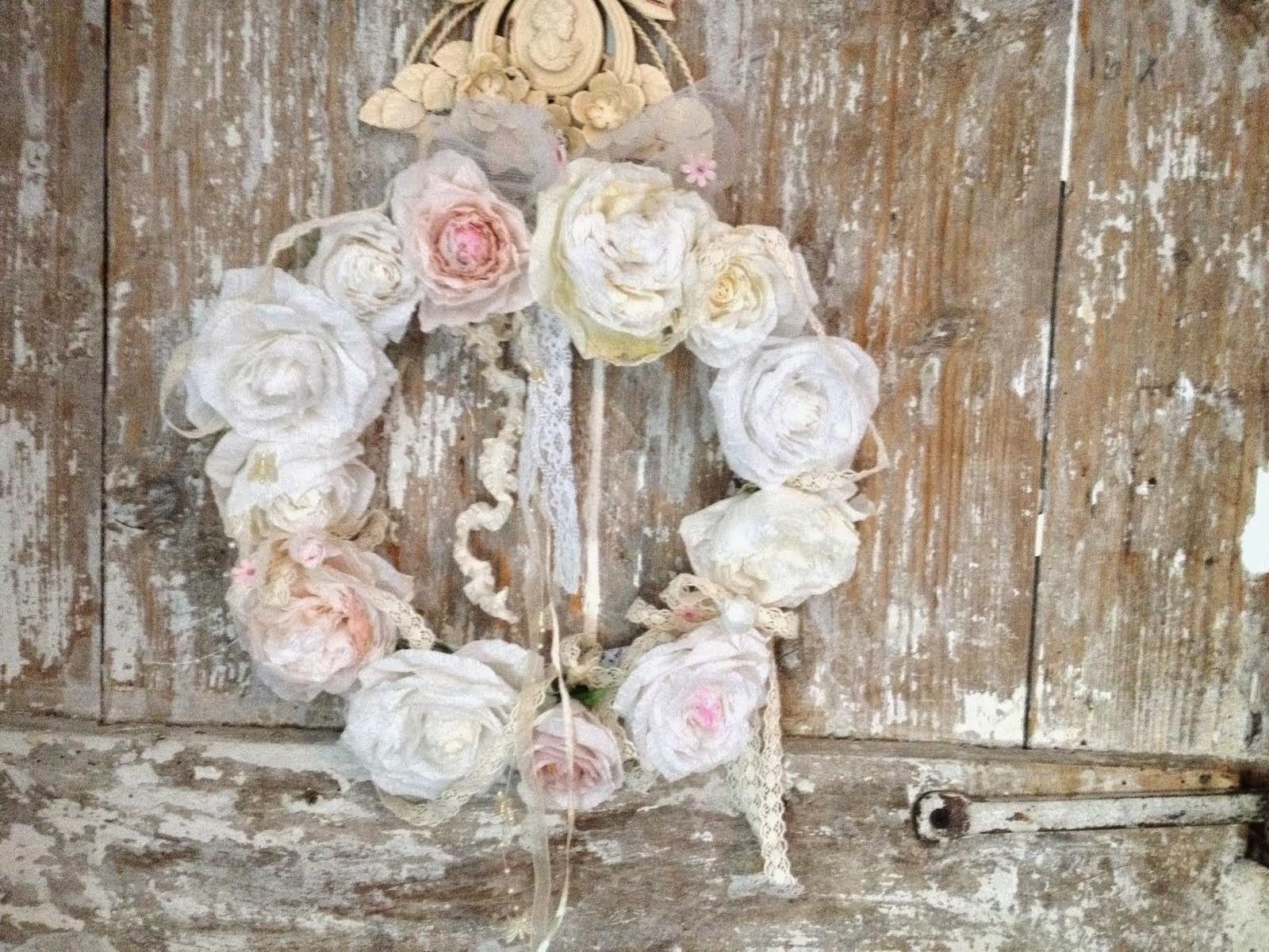 couronne shabby de roses en papier