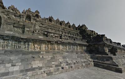 Ilustrasi Menjelajahi Candi Borobudur Melalui Google Maps - Travelwan