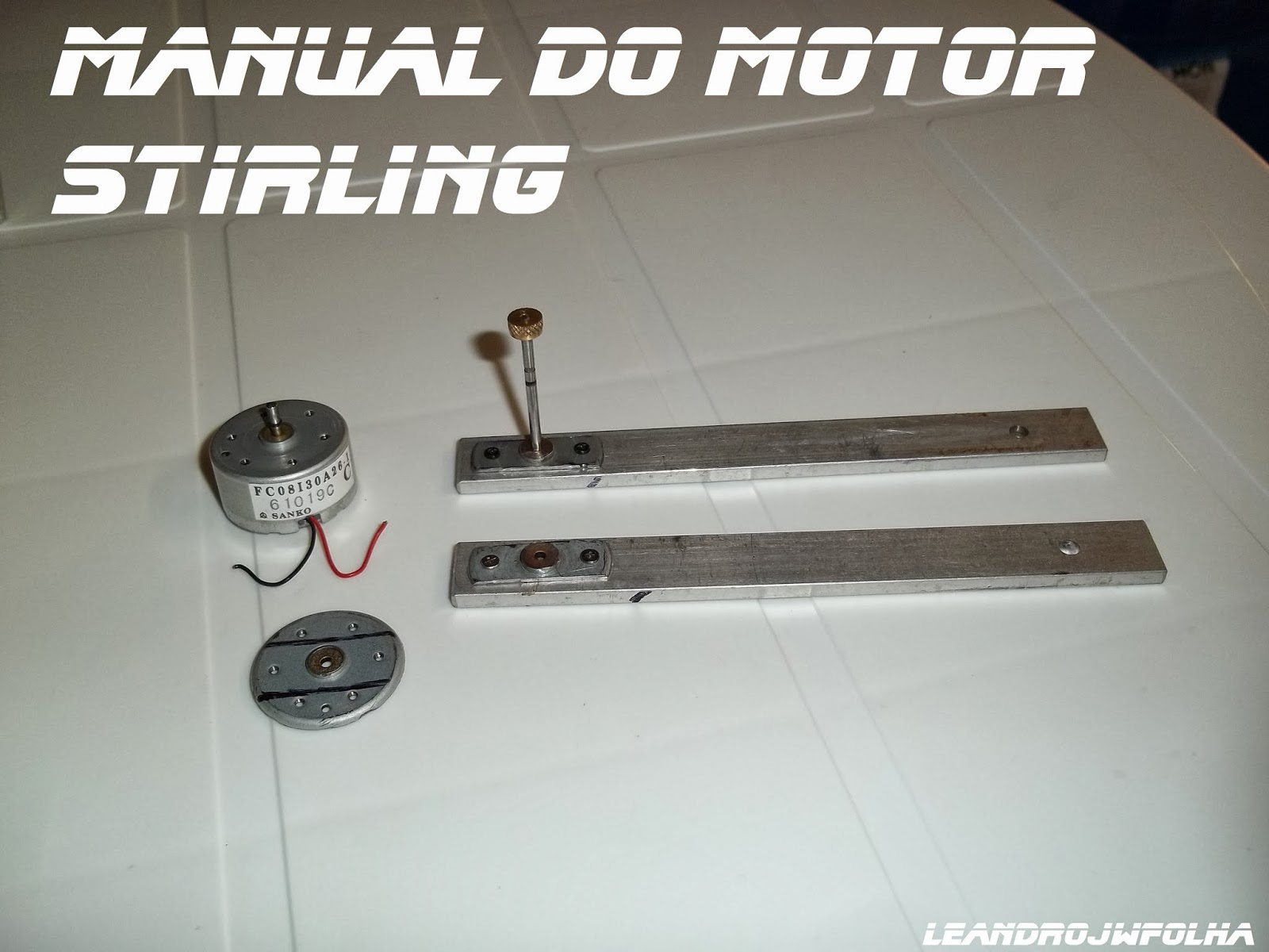 "Manual do motor Stirling, braço guia do ""T"" do sistema de articulação Ross Yoke"