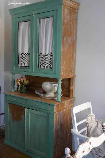 Shabby chic Küchenschrank in Sabei