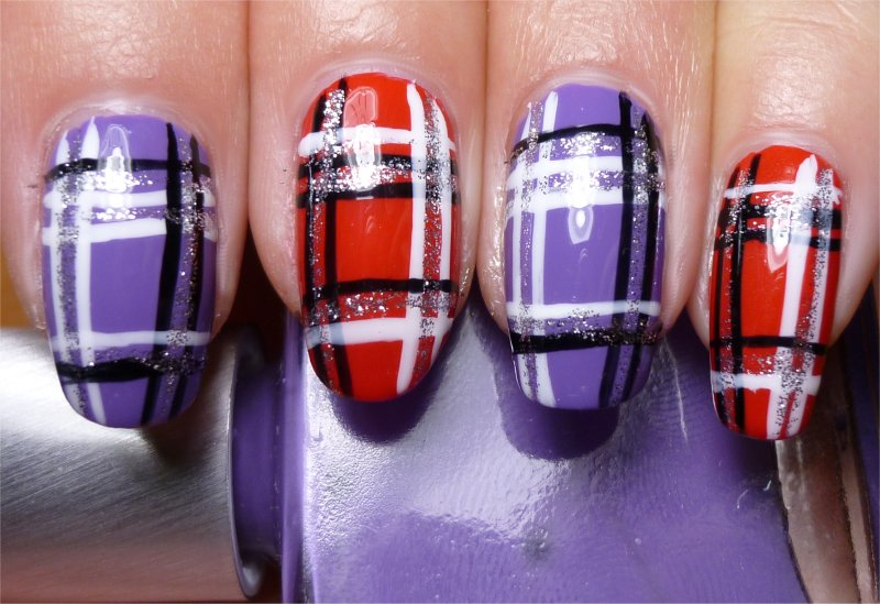 Nail Art: Purple and Red Plaid