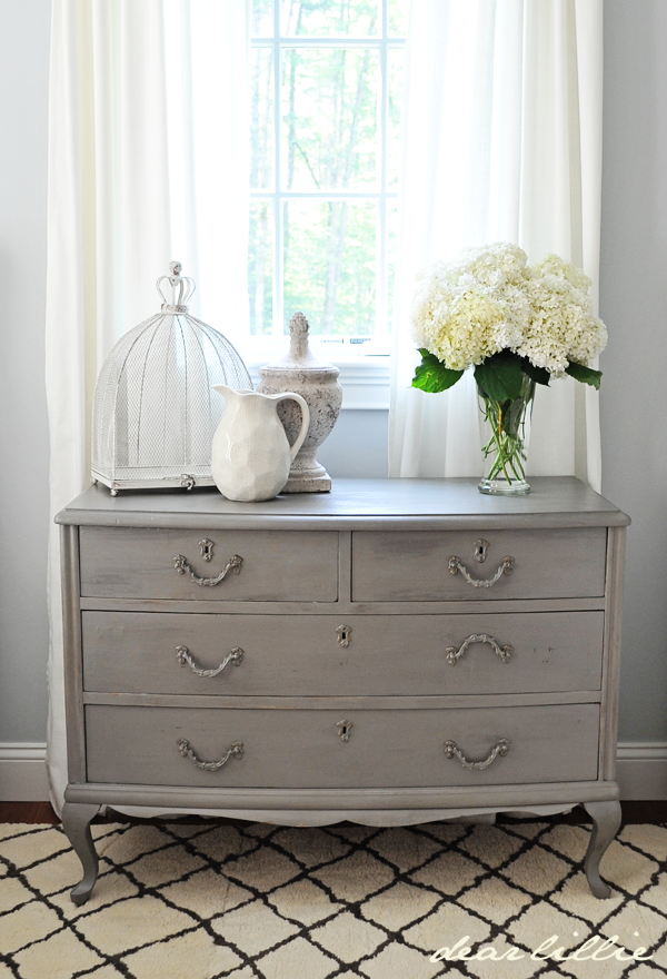dear lillie a little peek at my parent 39 s guest bedroom. Black Bedroom Furniture Sets. Home Design Ideas
