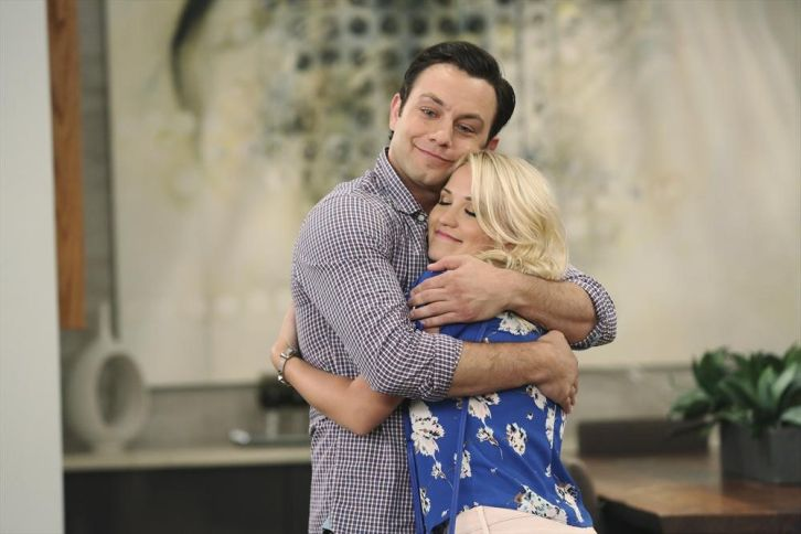 Young and Hungry - Episode 1.08 - Young & Car-Less - Promotional Photos