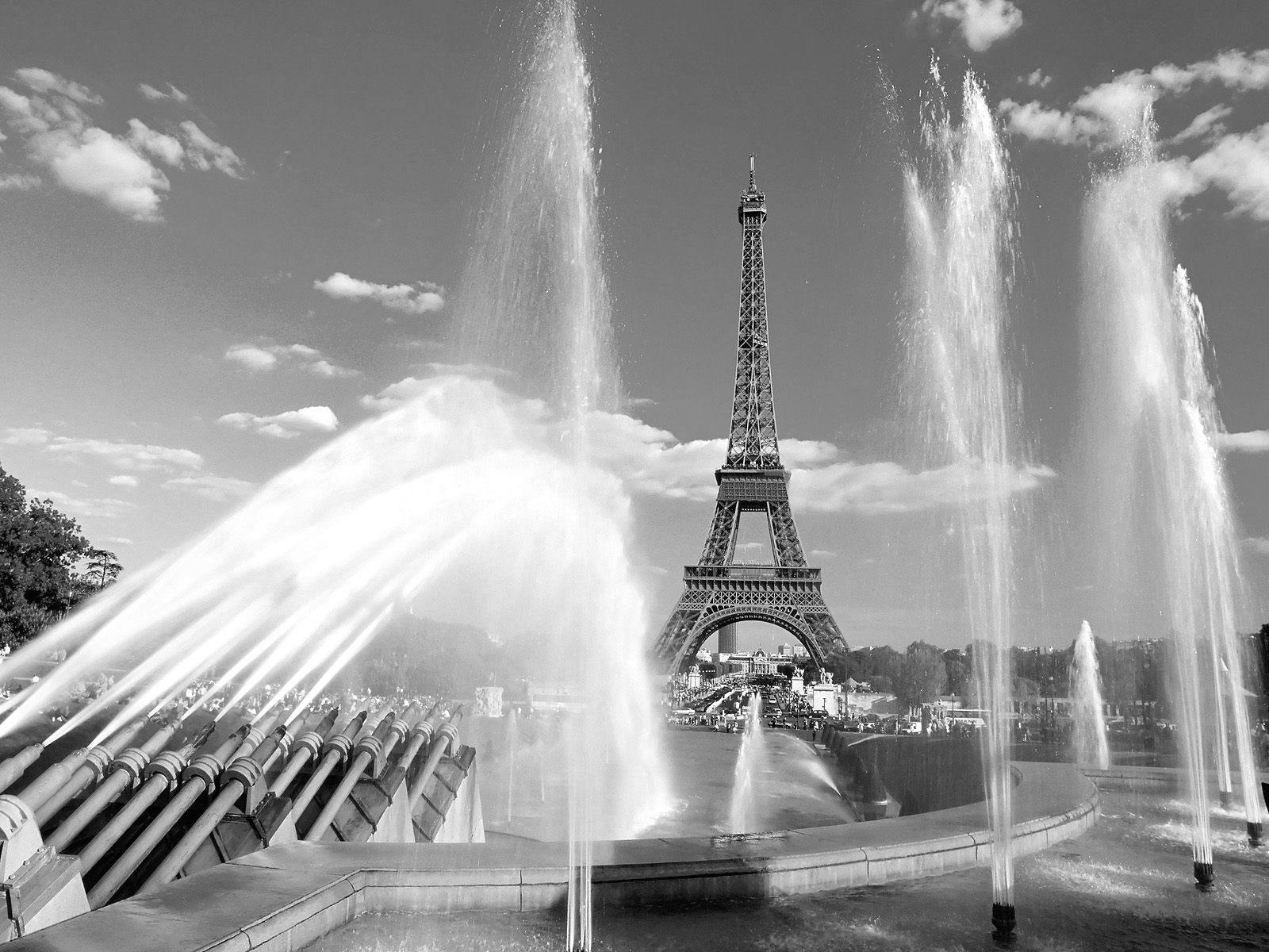 Eiffel Tower and water fountains Black and white Photo