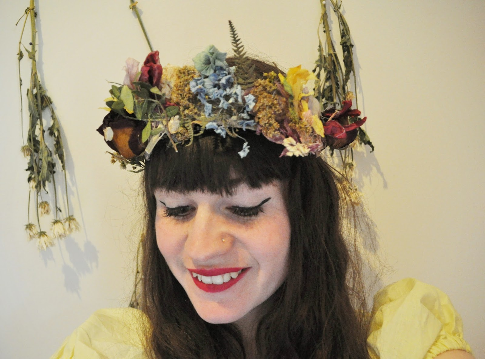 The pale female dried flower crown a bank holiday diy dried flower crown a bank holiday diy izmirmasajfo