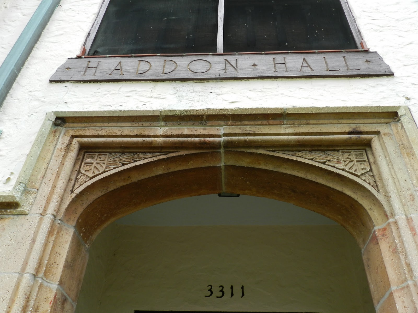 Mike\'s Historic Buildings: Haddon Hall Apartments