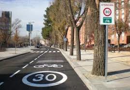 Ciclo carril, carril compartido, en Las Tablas, Madrid