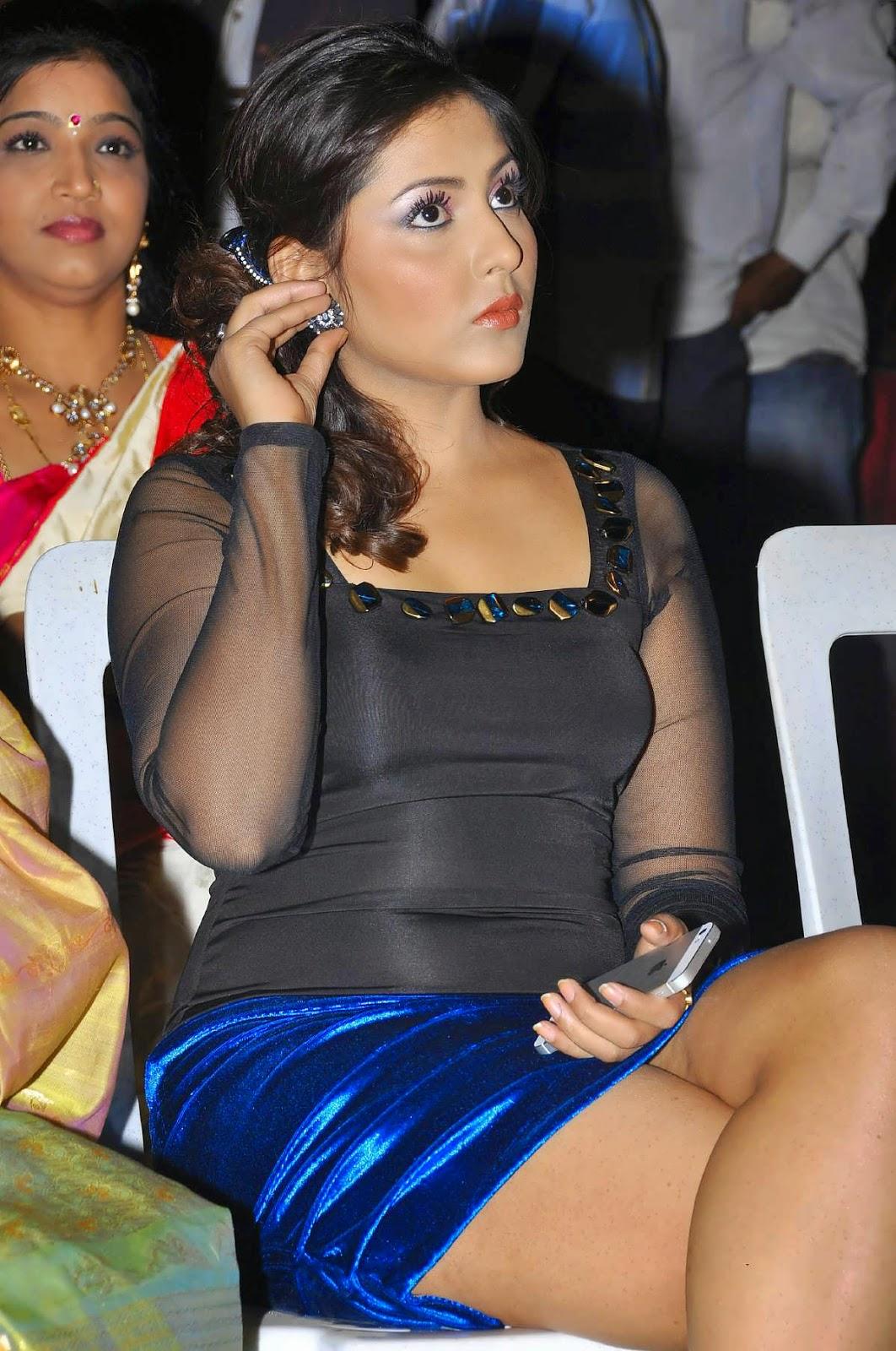 Madhu Shalini hot images