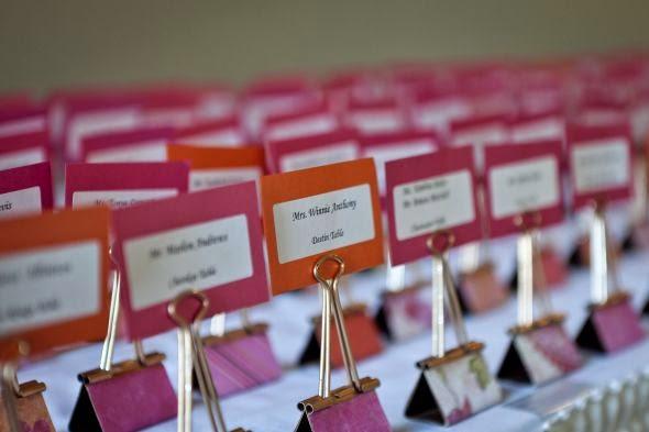 http://gallery.weddingbee.com/photo/binder-clip-escort-cards/