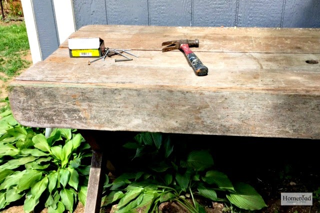 Outdoor Potting Table from Old Picnic Table www.homeroad.net
