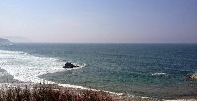 surf medio metro sopelana semana santa