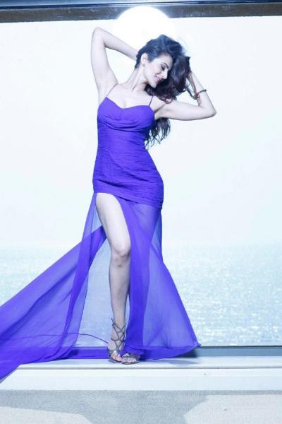 amisha-patel-hot-photoshoot-purple-dress