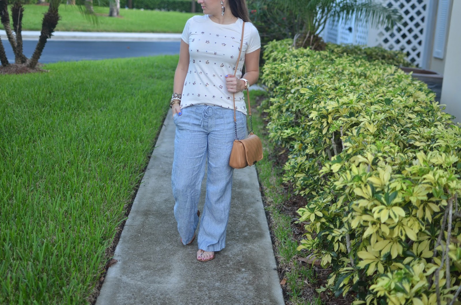 Linen pants - sequined top - #poshfind - Emma & Sophia