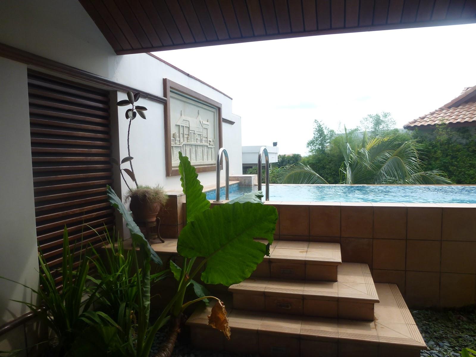 Rosniena setiap bicara penuh bermakna lepak di grand for Garden pool villa grand lexis pd