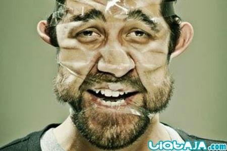 selfie muka di selotip | liataja.com