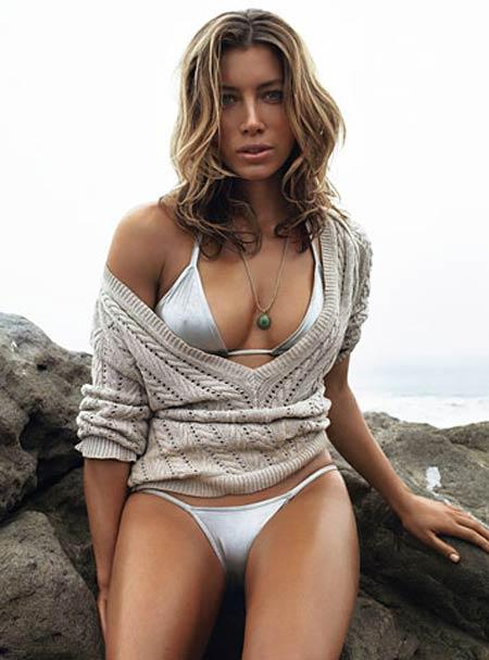 Hollywood Actress Jessica Biel Bikini Pics