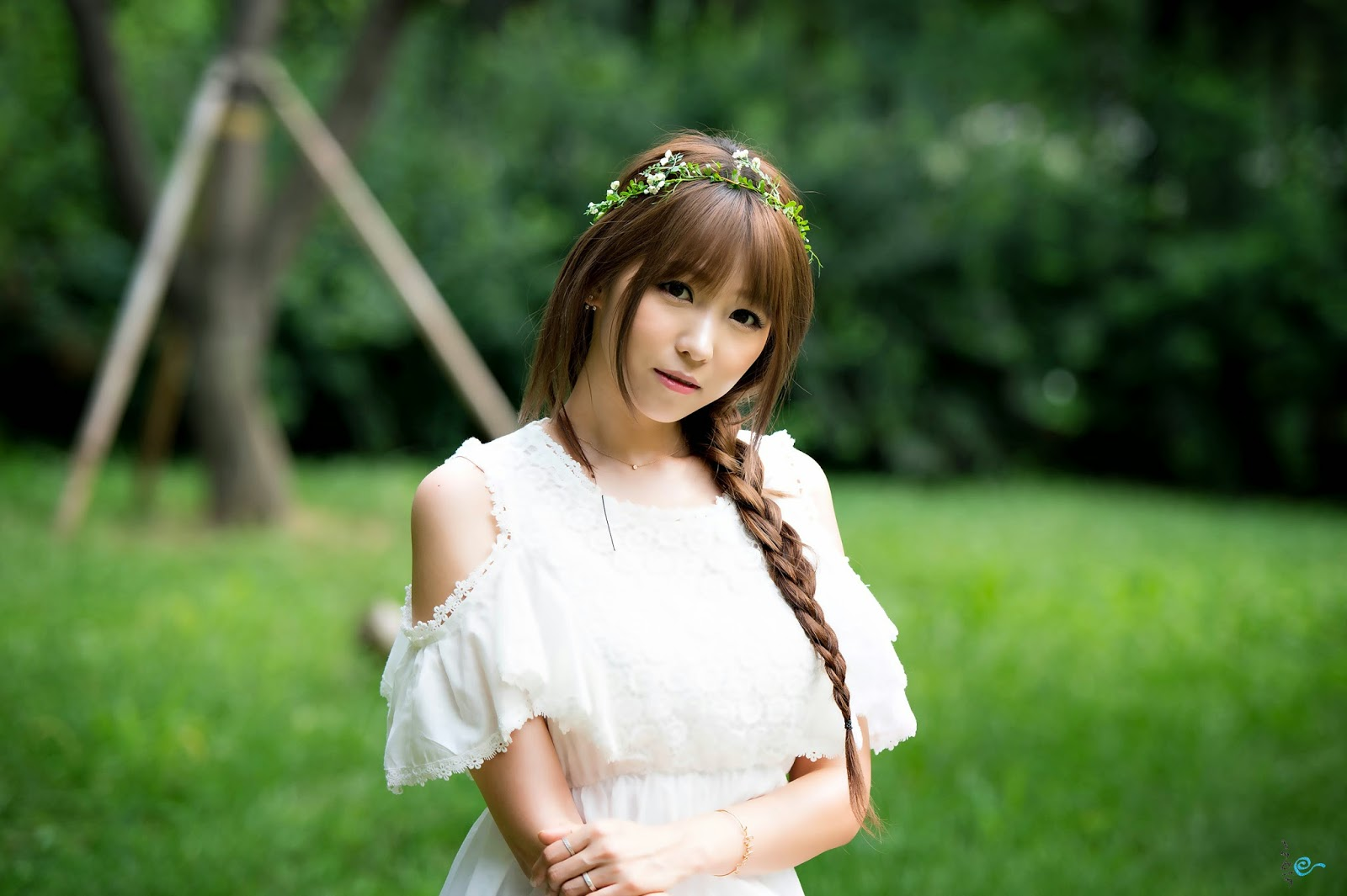 1 Lovely Lee Eun Hye In Outdoor Photo Shoot - very cute asian girl-girlcute4u.blogspot.com