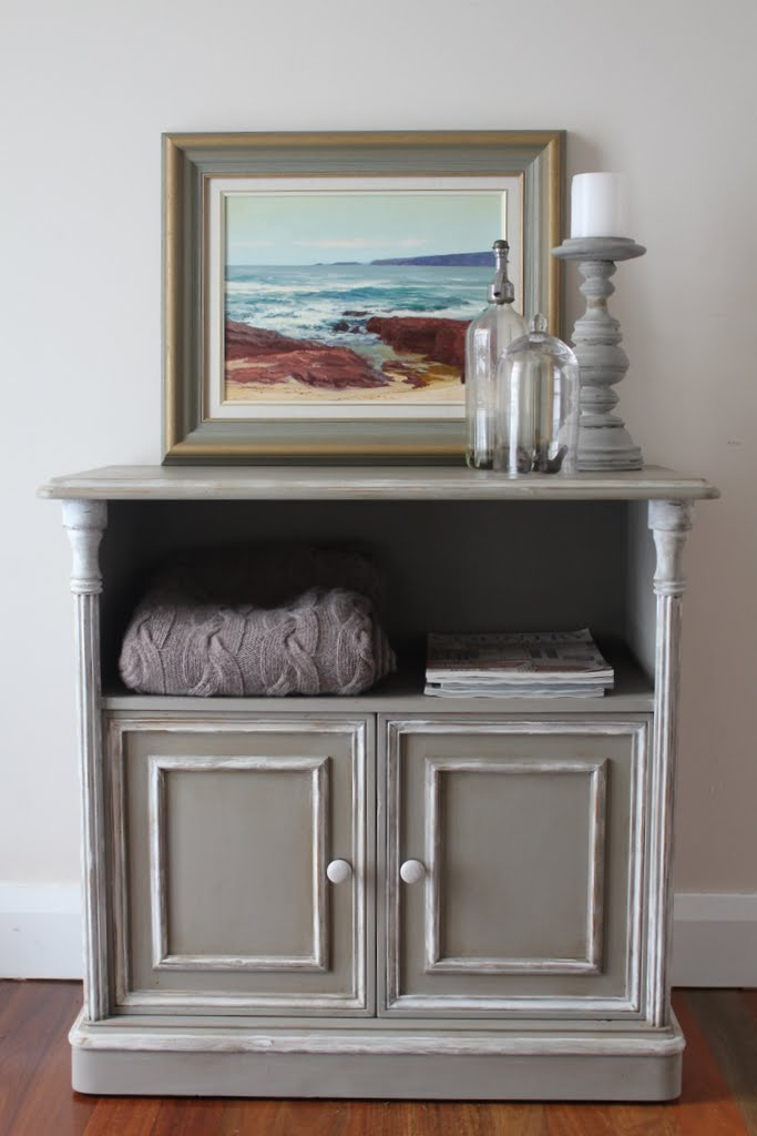 Lilyfield Life: a little Cabinet in French Country Style