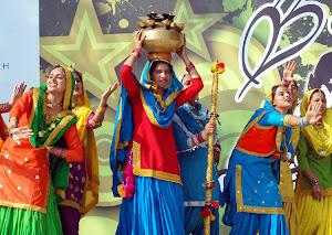 BANJARAN DANCERS