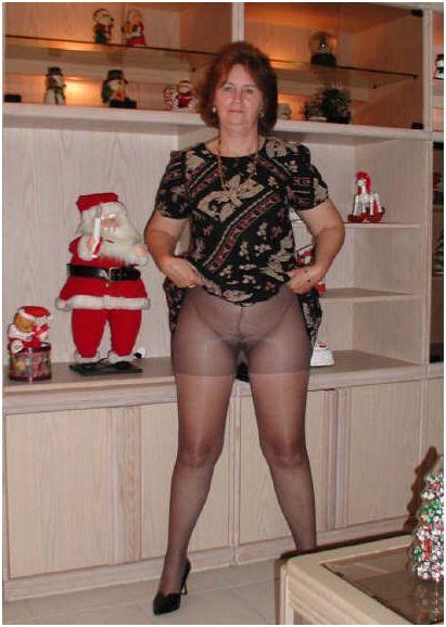 Порно фото бабы сушат панталоны трусы