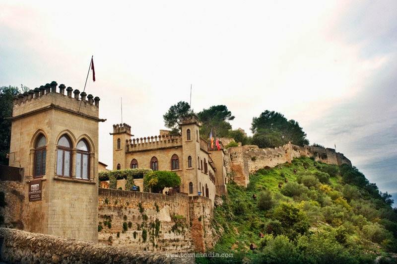 CAMINANDO ENTRE RUINAS: Castillo de Xátiva (Valencia)