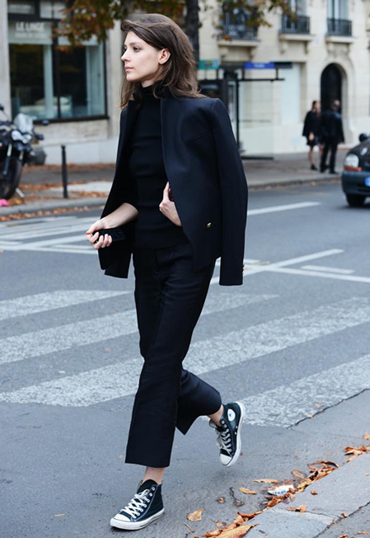 Diana Moldovan model off duty all black