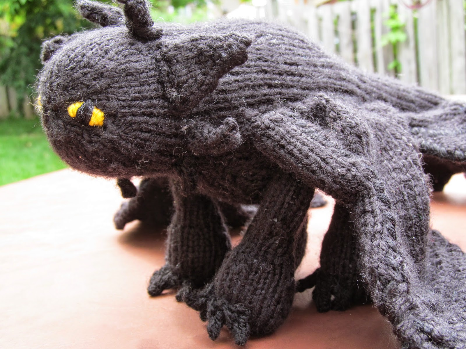 Knotty Knits and Naughty Kids: Toothless!