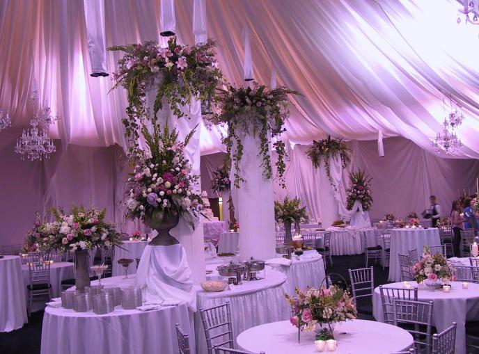 wedding centerpiece wood runner asian wedding flower arrangements