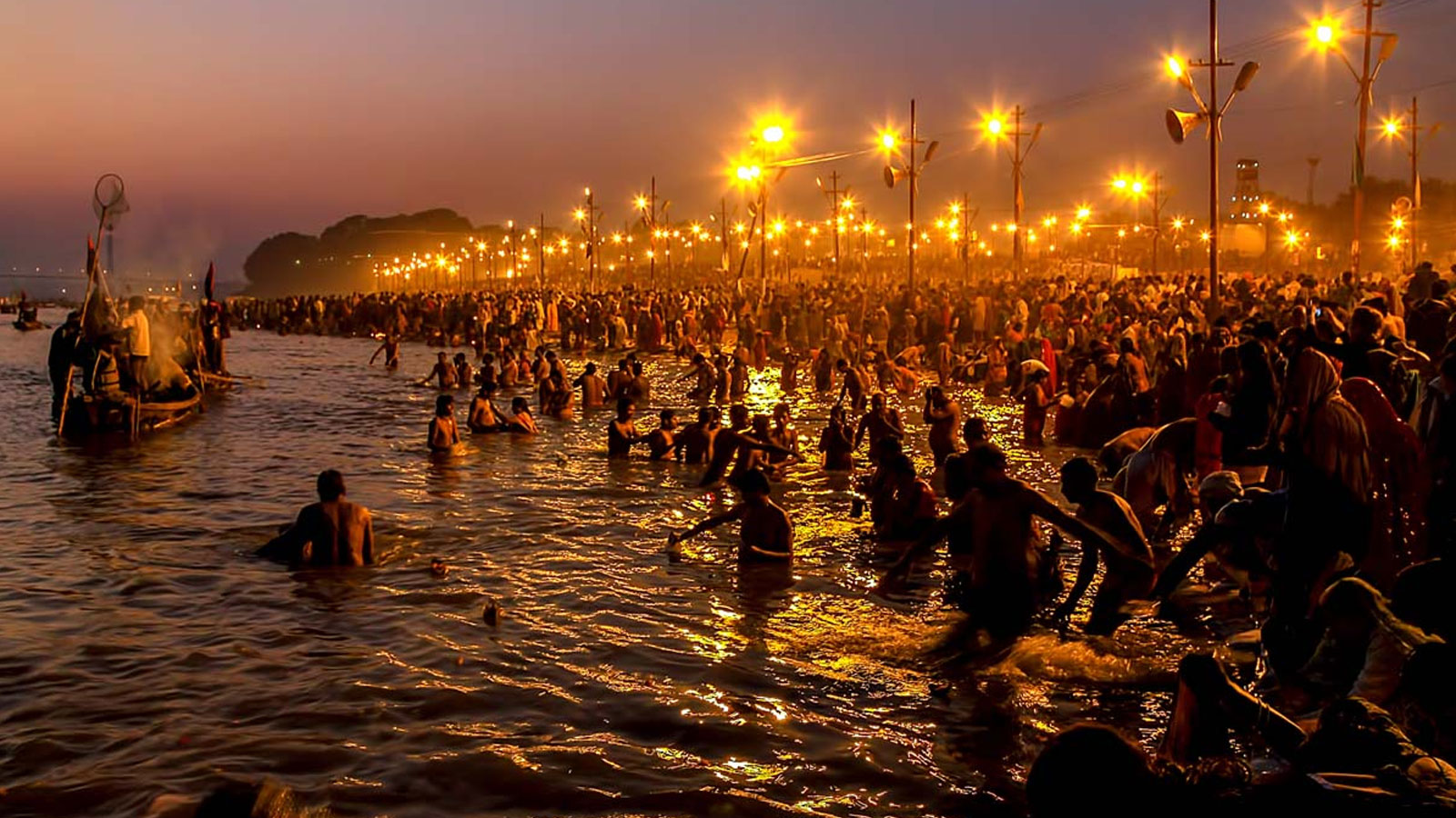 hindi essays on ganga river The ganga is the most sacred river for the hindus and is the lifeline of the millions of people living along its course in fact, the ganga basin is the most heavily populated river basin in the world.