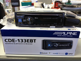 demac audio house alpine cde 133bt cd player receiver w. Black Bedroom Furniture Sets. Home Design Ideas