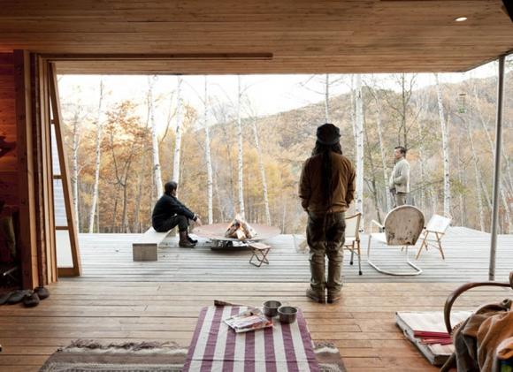 Platform-Living-Space-by-Shin-Ohori-of-General-Design Co