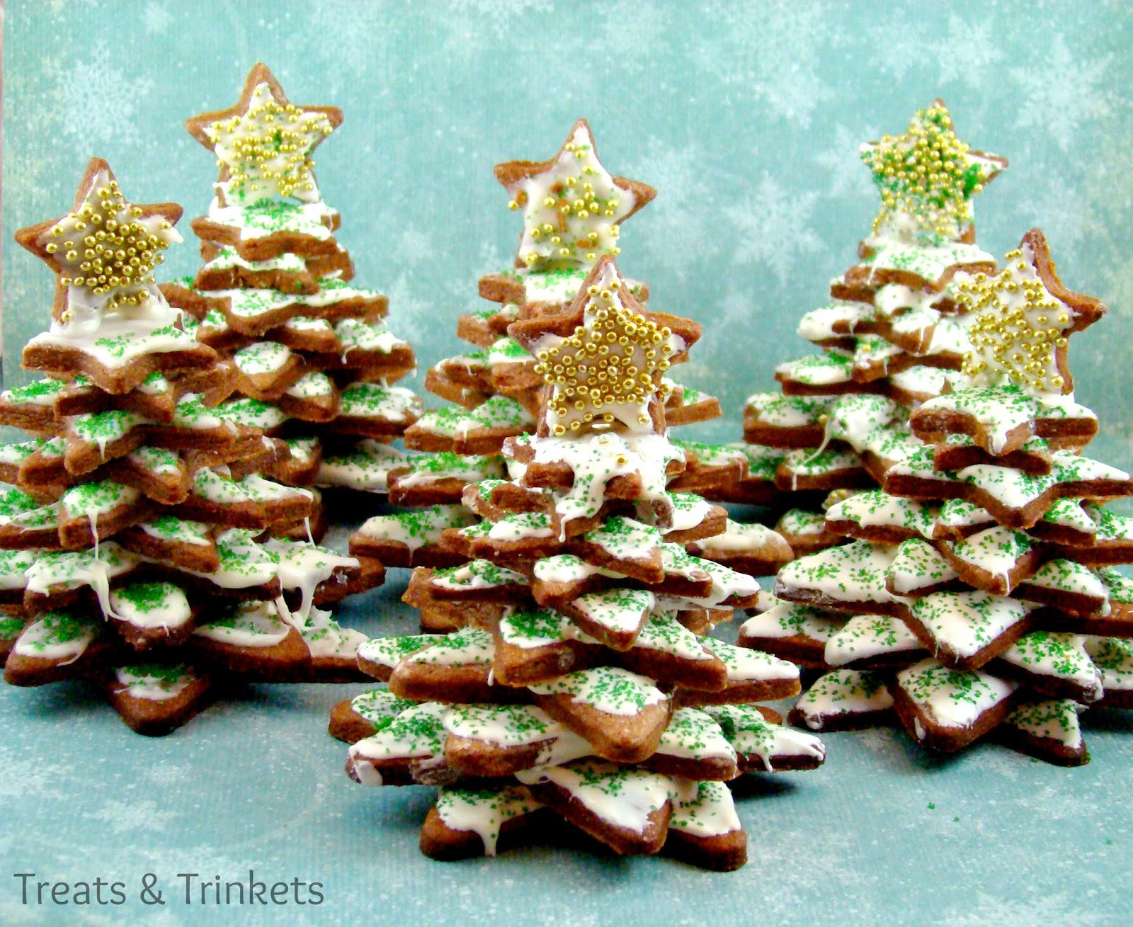 Treats & Trinkets: Christmas Tree Cookie Stacks & the Year in Review