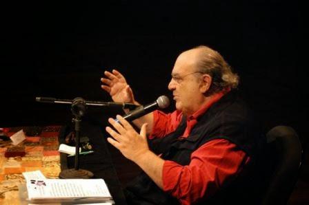 Morre o ator e diretor Antônio Abujamra, aos 82 anos, em São Paulo