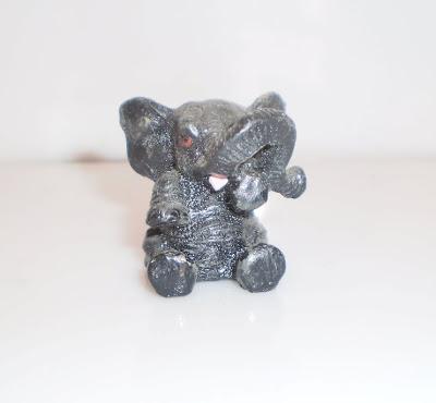 Kicsi kő elefánt