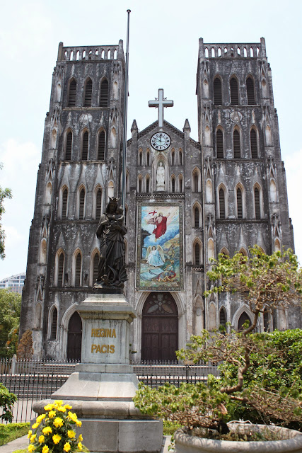 On the way heading back from Long Bien Bridge, we saw a beautiful historical Saint Joseph Cathedral in Hanoi, Vietnam